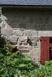 Una maison dau coenh emb de las peiras recuperadas