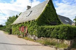 Una maison pròcha dau chasteu